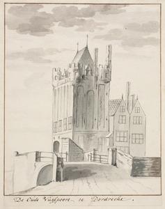 De Oude Gevangenpoort of de Oude Vuylpoort in Dordrecht gezien vanaf de Leuvebrug