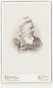 Portret van Everdina Margaretha van Kaathoven (1832-1919)