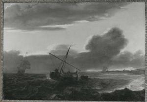 Zeilschepen op woelige zee voor de kust