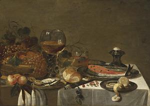 Sttilleven met vruchten, oesters, een zalmmoot, een geschilde citroen, een grote roemer, een zoutvat en een horloge
