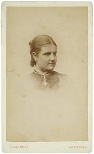 Portret van Anna Elisabeth Rijnarda van Hardenbroek (1862-1898)