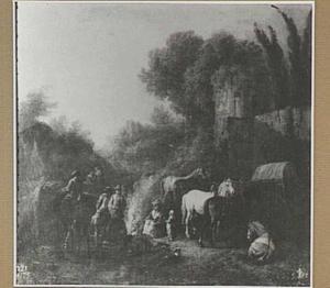 Rustende soldaten bij een ruïne