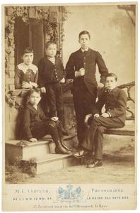 Portret van de kinderen van Christiaan Johannes van Beresteyn (1823-1907)