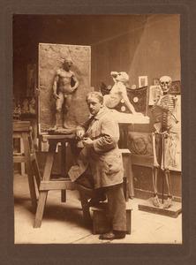 Charles Vos in een atelier van de Rijksakademie, Amsterdam