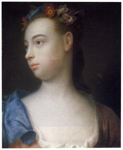 Jong meisje in roze jurk met blauwe hoofddoek