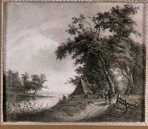 Bosrand met boerderij bij een meer
