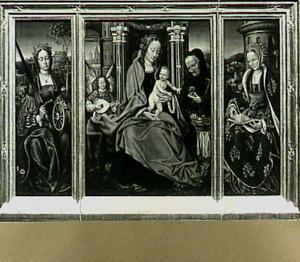 De H. Familie en musicerende engel, de H. Catharina van Alexandrië en de H. Barbara