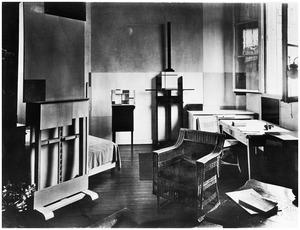 Atelier Piet Mondriaan met op de ezel Composition, 1926 (?) (B175)