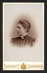 Portret van Gerardina Adriana Johanna Mauritia Eijck van Zuylichem (1872- )