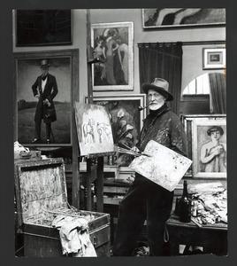 Kees van Dongen in zijn atelier aan 75 Rue de Courcelles, Parijs