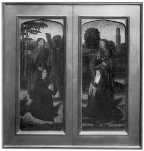 De H. Andreas met stichter (links), de H. Johannes de Evangelist met stichtster (rechts)