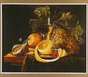 Stilleven van vruchten en een roemer wijn