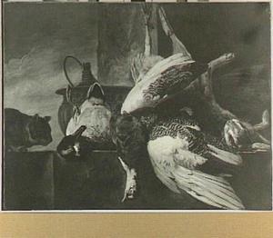 Jachtstilleven van haas, eend en pauw met links een kat
