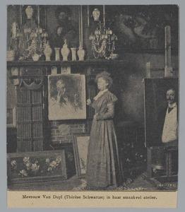 Thérèse Schwartze in haar atelier