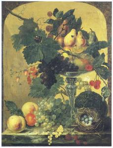 Vruchtenstilleven met vogelnest in een nis