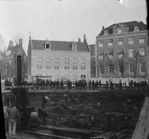Gezicht op de doorbraak van de Raadhuisstraat ter hoogte van de Herengracht
