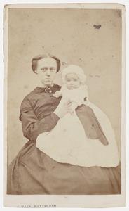 Portret van Arnoldina Johanna Wilkens en Jeannette Hermina Pols