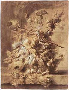 Bloemstilleven in een mand op een marmeren blad, in de achtergrond een boog