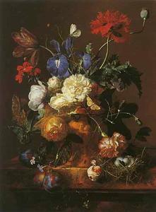 Bloemstilleven in een bloempot op een marmeren blad