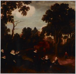 Portret van een familie in een boslandschap met in de achtergrond een boerin met een juk