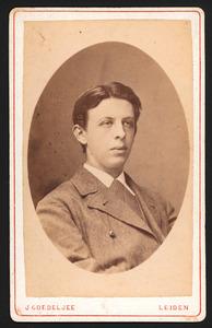 Portret van Albert Jacob Diederik Coenen van 's Gravesloot (1858-1921)