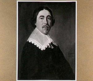 Portret van een man met een platte kanten kraag