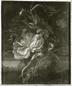 Tuiltje bloemen op een marmeren blad
