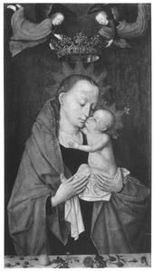 Maria met kind door engelen gekroond