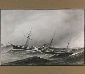 Bewogen zee met het stoomschip 'P. Caland' van de Holland-Amerikalijn