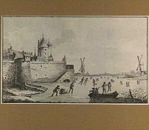 Schaatsers op het ijs bij een versterkte stad