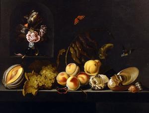 Stilleven met vruchten en schelpen op een tafel