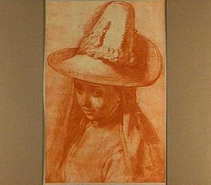 Vrouw met hoed met brede rand