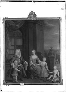 Familieportret van Egbert Veen de Wilde (16..-1735) met zijn echtgenote Geertruyd Hinloopen (1693-1772) en hun drie kinderen