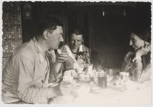 Fiedler en Amrey op afscheidsbezoek bij familie van Fiedler, Leipzig 1933