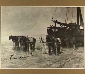 Het slepen op het strand van een visserspink