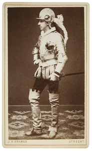 Portret van Adriaan Dirk Hendrik Kolff (1862-1921) als H.D. von Fullendorff, Hoofdman der Landsknechten