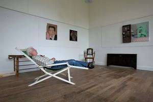 Emo Verkerk in zijn atelier