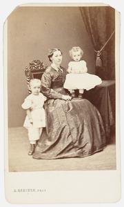 Portret van de echtgenote van Van Rijn met twee kinderen