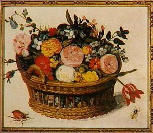Bloemstilleven in een mand met op de voorgrond een kever en een wesp