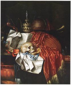 Vanitasstilleven met schedel, akeleibeker en andere voorwerpen op een marmeren blad