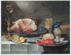 Stilleven met een ham, krab en kreefje