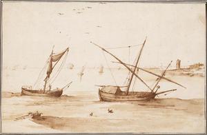 Vissersboten op een kalme zee aan een verre kaap