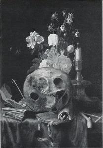 Vanitasstilleven met bosje bloemen, kandelaar, rookgerei en een schedel