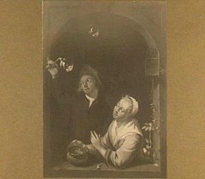 Bellenblazende man en een vrouw in een venster