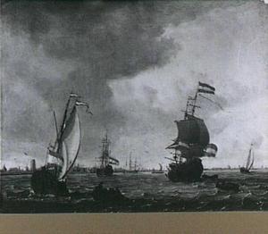 Spiegeljacht, driemaster en andere vaartuigen op de Maas bij Rotterdam