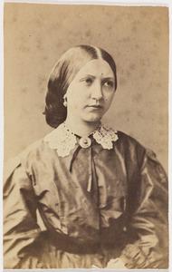 Portret van een vrouw, mogelijk Henriette Sara Hora Siccama (1844-1924)