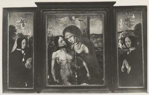 Drieluik met Pietà en stichtersportretten van Josyne van Dongen (....-....) en Adriana Monincx (....-1504)