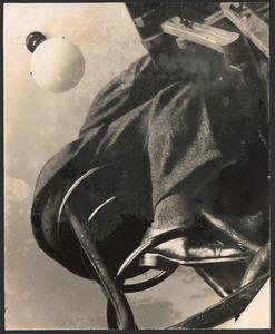 Zelfportret op stoel, circa 1929