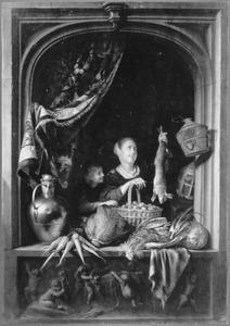 Jonge vrouw met jachtbuit en groente; gezien door een venster