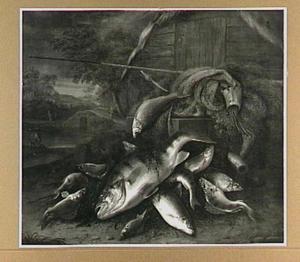 Visstilleven met zoetwatervis en visgerei; een avondlandschap met hengelaar op